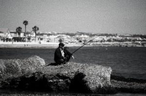 No des peces, enseña a pescar